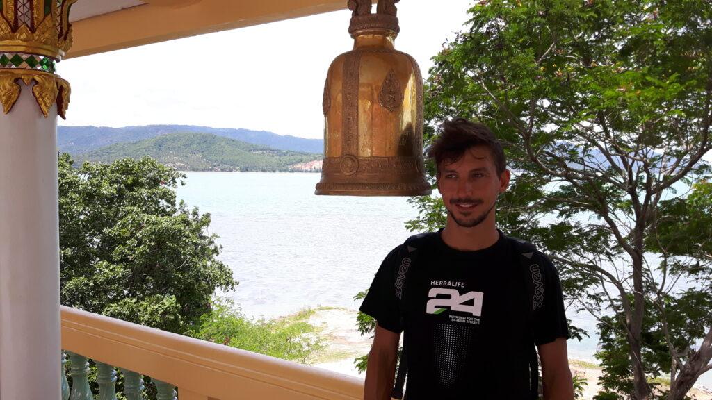 Ancora un attimo di pazienza - Aspettando il suono della campana sull'isola di Koh Samui in Tailandia