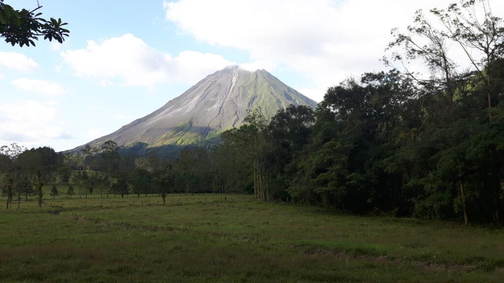 Ancora un attimo di pazienza -Il bellissimo vulcano Arenal in Costa Rica