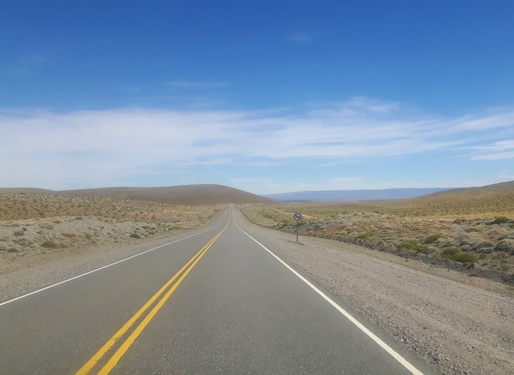 Un tratto di strada percorso in autostop verso la Patagonia