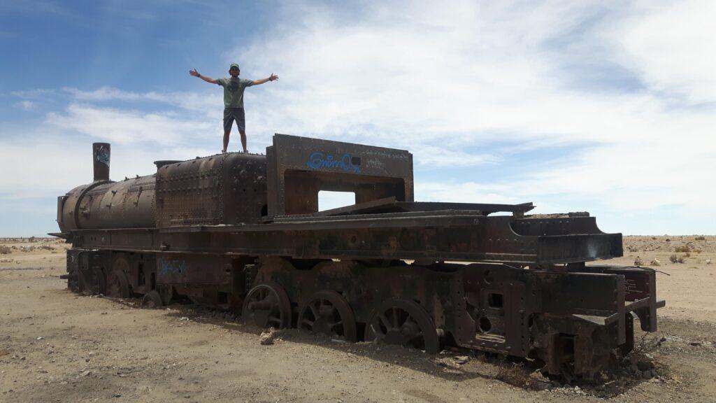 Un vagone nel cimitero dei treni