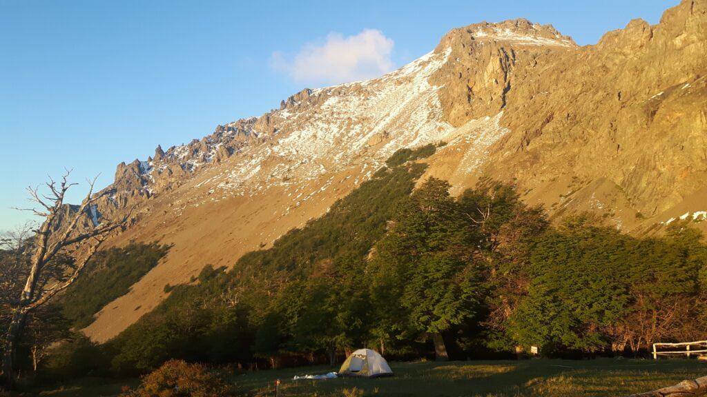 La montagna e il senso di libertà fuori dal rifugio