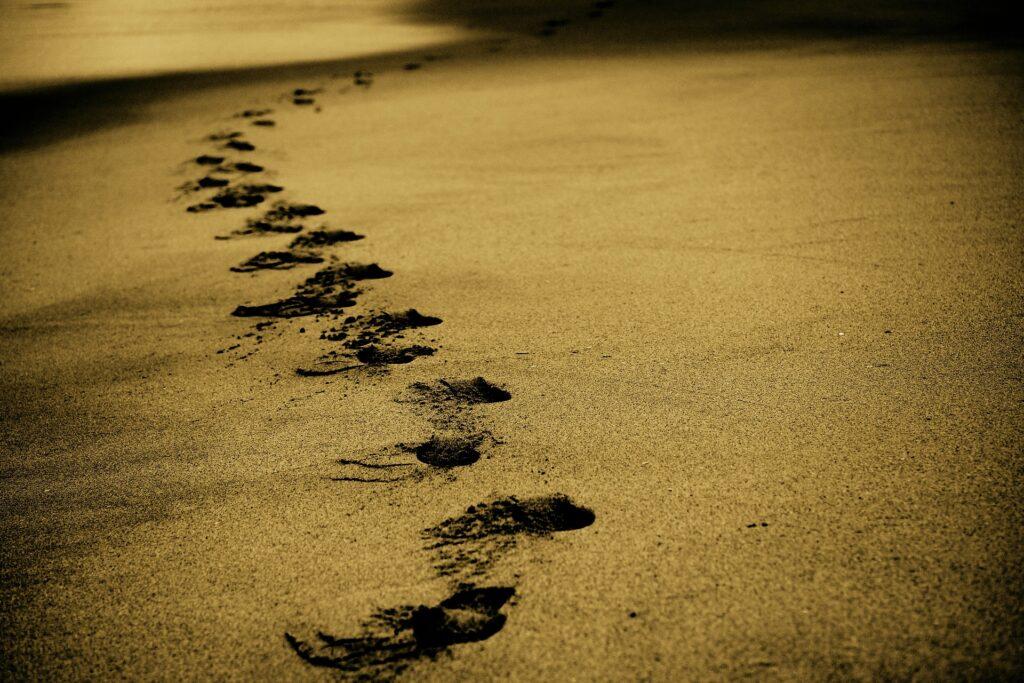 Lascia le impronte lungo il cammino